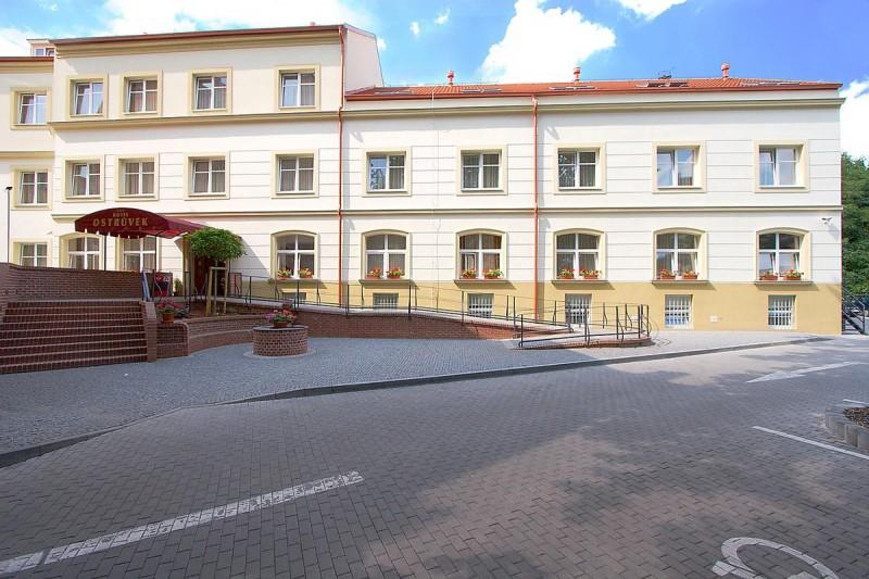 Hotel Ostrůvek 1