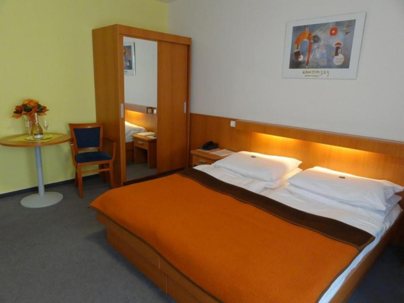 Hotel Inos 4