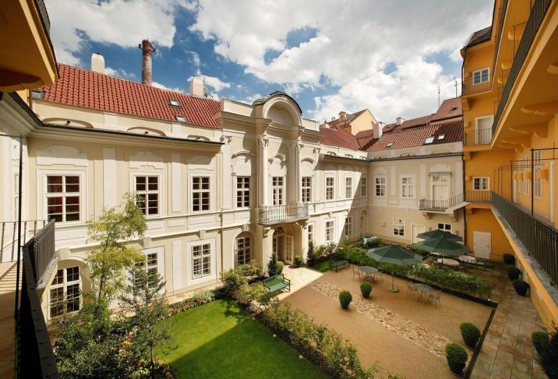 Mamaison Suite Hotel Pachtuv Palace 5