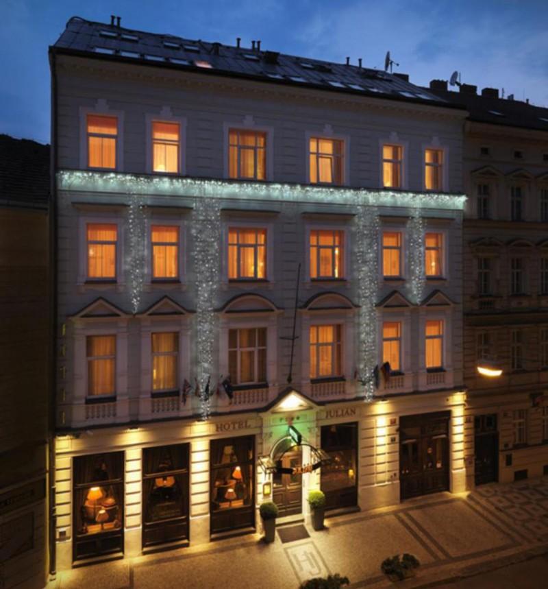 hotel Julian 2