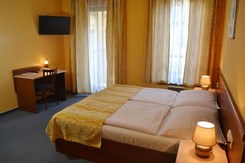Aparthotel Austria Suites 5
