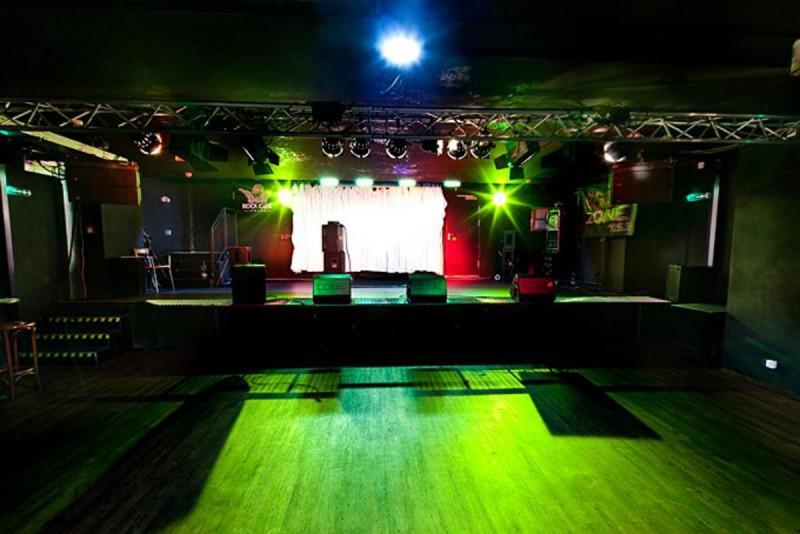 Клуб Rock Cafe 4