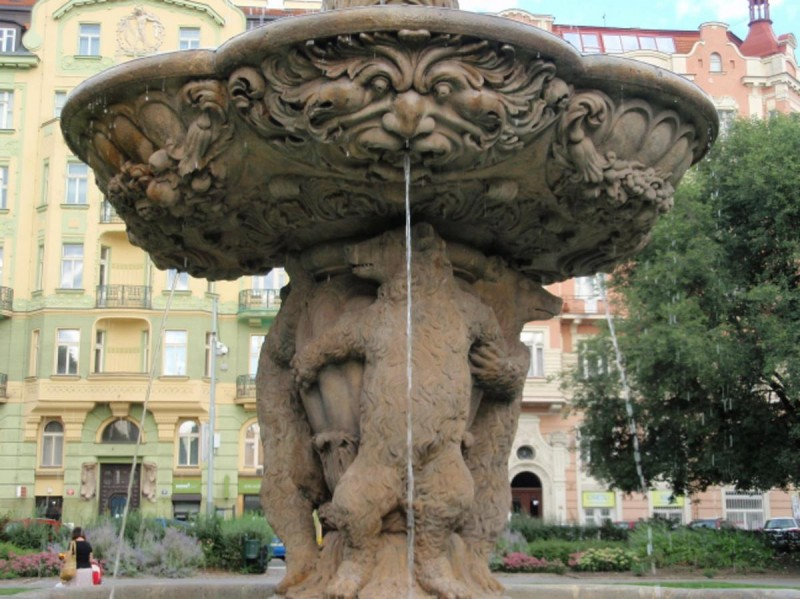 Медвежий фонтан 5